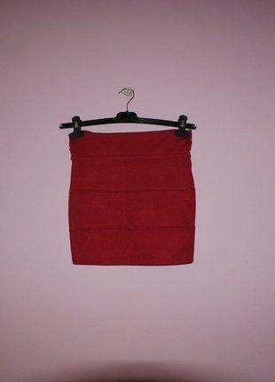 Kup mój przedmiot na #vintedpl http://www.vinted.pl/damska-odziez/spodnice/16538226-bandazowa-obcisla-spodnica-w-bordowym-kolorze