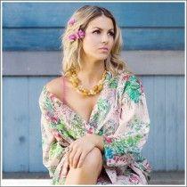 Kimono Style Robe. Knee Length. Pink Love Poppy: Kimonos Style, Kimono Dresses, Knee Length, Plum Pretty, Bridesmaid Gifts, Pretty Sugar, Poppies, Kimono Style, Bridesmaid Robes