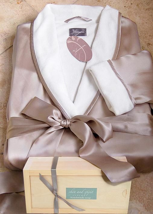 Spa gift sets, Wrapped in Luxury Short Robe and Gift set