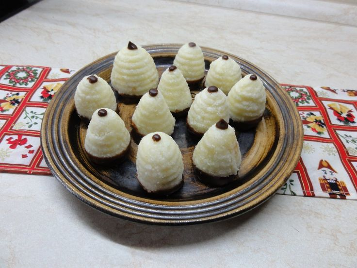 Úly z kokosového těsta