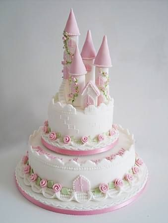 Super pretty , looks like princess wedding cake .300560_473688049376847_1005857625_n.jpg 339×450 pixels