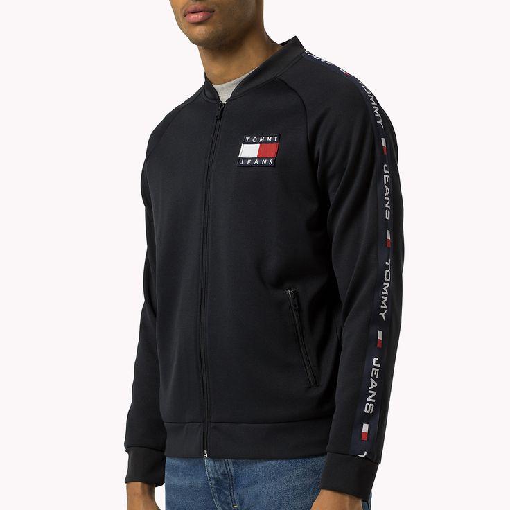 Shop de trainingsjack met logo en verken de Tommy Hilfiger sweatshirts   collectie voor heren. Gratis retourneren & verzending vanaf €50. 8719255521117