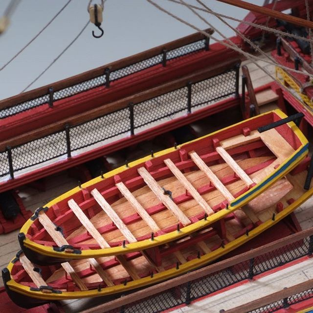 Introducing our new 1:89 Hermione La Fayette scale model! Shop now to build this beautiful 18th century ship!