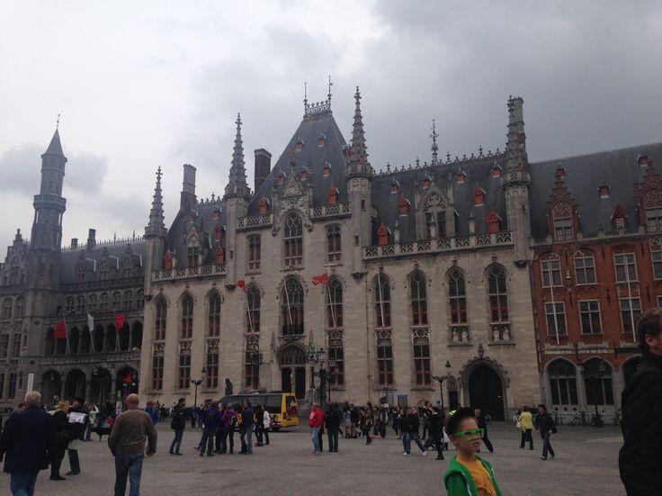 Belgica - Brujas  Un lugar mágico para descubrir, entérate qué ver y cuándo visitarla.