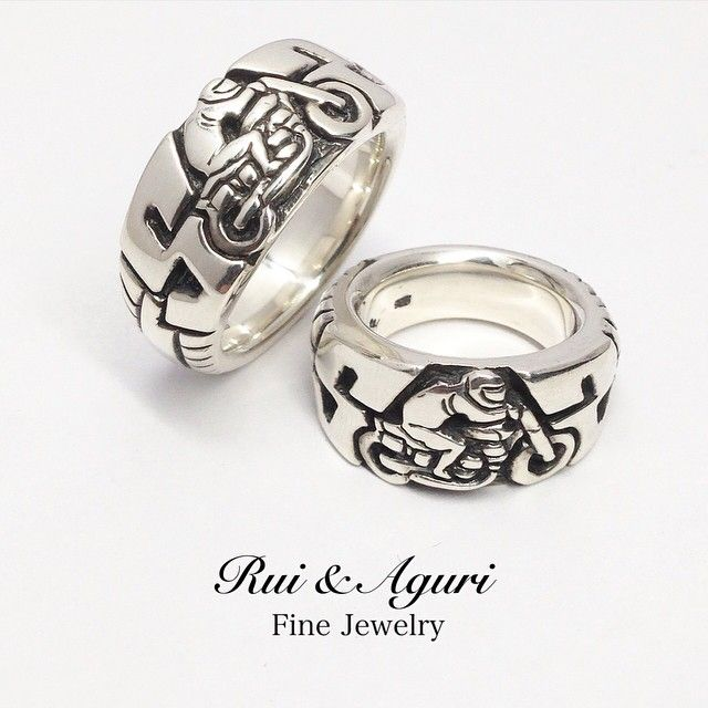 """「Yes! pair rings! Just finished! Tire motif motorcycle racer ring for racer boy in Canada with initial """"S"""" of 2 lovers! Yes! Both same initial """"S""""…」"""