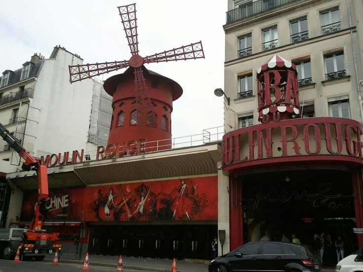 Moulan Rouge, Paris France-Going to see the show. Such Icons for art, music and fashion.