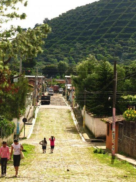 A daily scene in Apaneca.