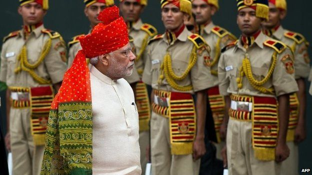 Narendra Modi inspects a guard of honour during the country's 68th Independence Day at the Red Fort in New Delhi on August 15, 2014.