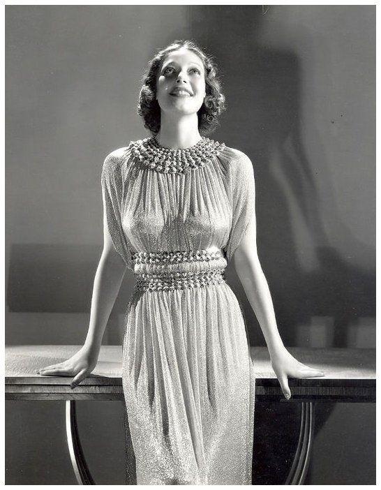 8 NOUVELLES photos de Loretta YOUNG '30-40