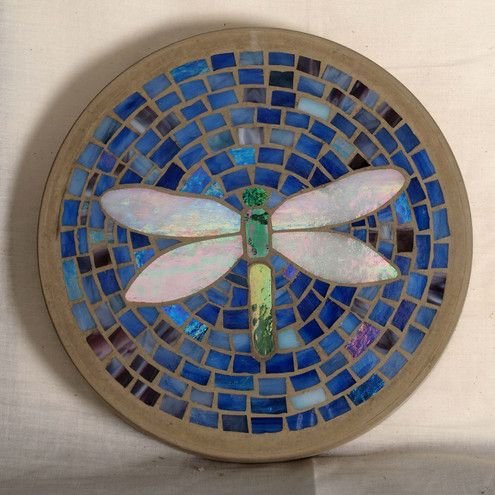Beautiful stepping stone i made several for my garden for Mosaic ideas for the garden