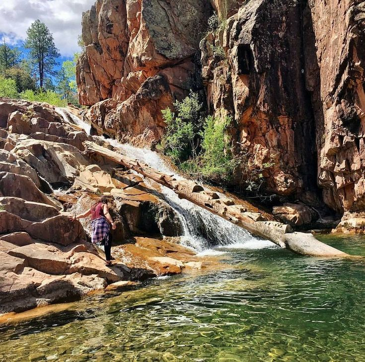 This Easy Hike In Arizona Will Lead You To A Clear Emerald