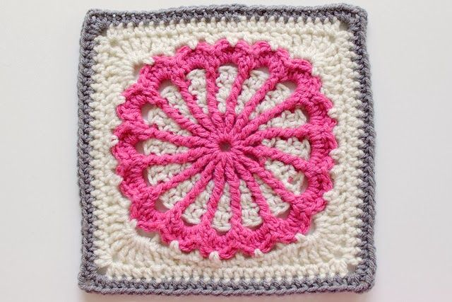 Free Crochet Patterns: Free Crochet Granny Square Motif Patterns http://freecrochetpatterns3808.blogspot.be/2014/01/free-crochet-granny-square-motif.html?showComment=1390834045946#c6282383368489955686