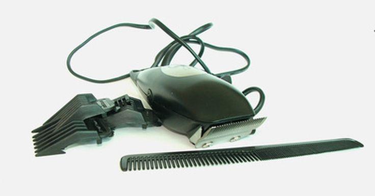 Como remover cabelo da nuca. O cabelo na parte de trás do pescoço, muitas vezes parece desalinhado ou pegajoso. Remova esta parte do cabelo com lâmina ou através de depilação. Dependendo de quão rápido seu cabelo crescer, raspar mantém a área com aspecto limpo durante várias semanas. Depilar mantém o cabelo fora da nuca por alguns meses. Escolha um método que funcione melhor ...