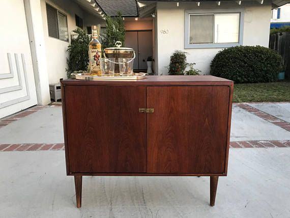 MID CENTURY MODERN Bar Stereo Cabinet Or Small Media Stand