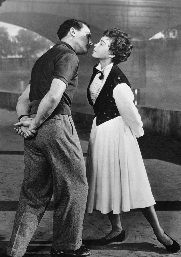 Gene Kelly & Leslie Caron - An American in Paris