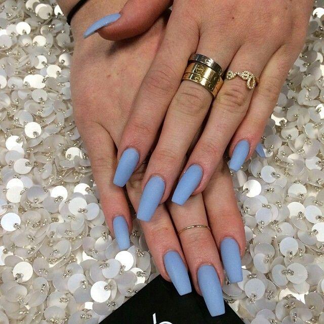 Kylie Jenner's Manicure // Long Light Blue Matte Acrylic Nails // Laque Nail Bar
