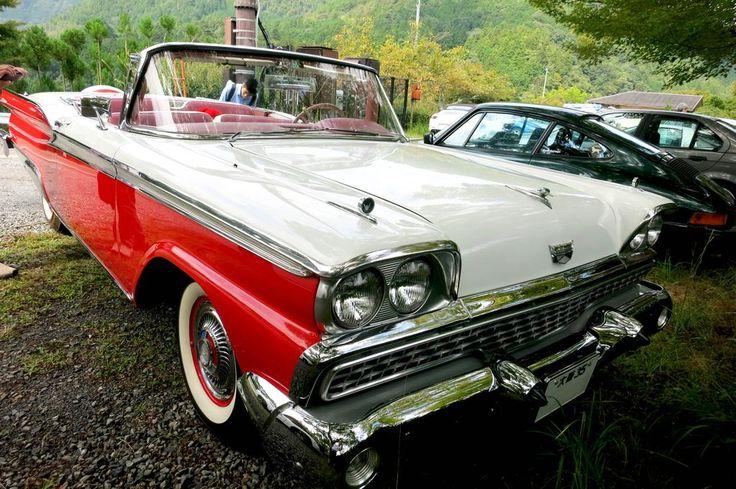 さっきのフォードの名前も教えてもらった。スターライナー ギャラクシーだ!