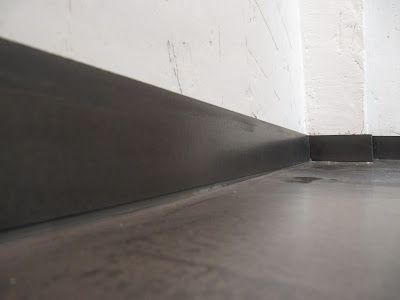 Hier werden einige Arbeitsbeispiele gezeigt, die mit BetonCire realisiert wurden. Beton Cire ist eine Beschichtung auf Zementbasis die mit entsprechender Untergrundvorbereitung auch auf zahlreichen kritischen Untergründen angewendet werden kann. Sie suchen Verarbeiter oder wollen Beton Cire lieber selbst anwenden? Bei Bedarf können Sie Beton Cire über uns erwerben. Bei Fragen zur Anwendung fragen Sie uns!