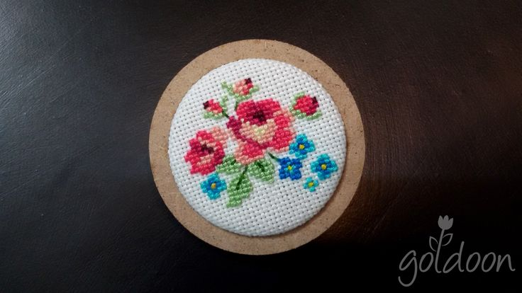 cross stitch brooch,wooden brooch,cross stitch rose,hand stitch, handicraft