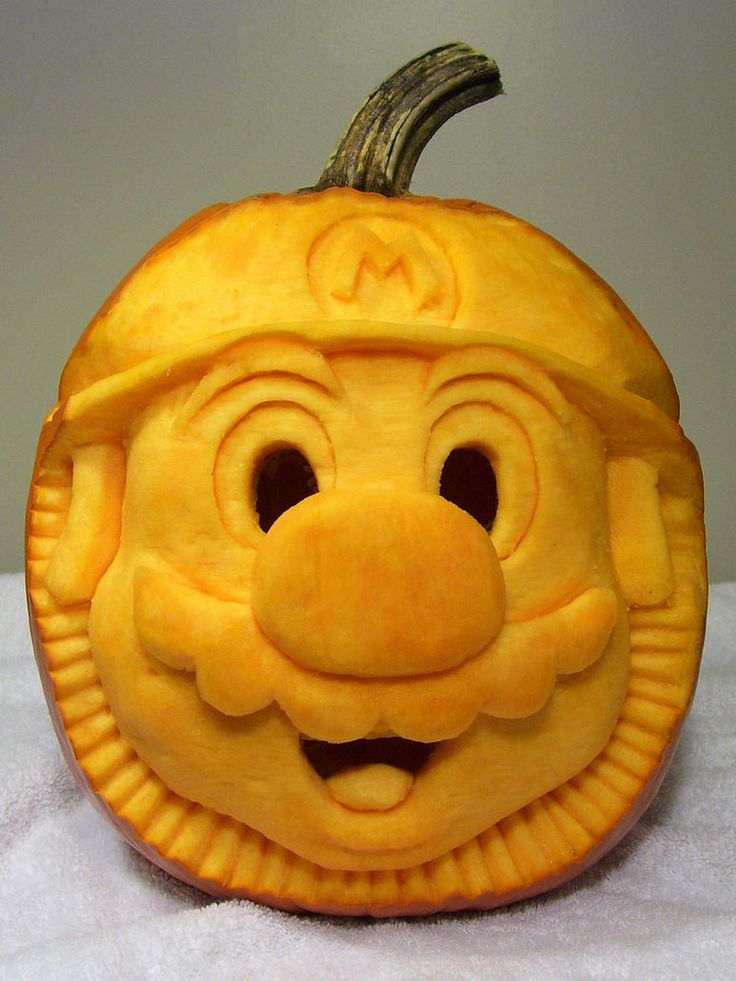 2007 - Mario Pumpkin Carving 1 by *PunkBouncer on deviantART you can see better how the 3d sculpture was done on this piv