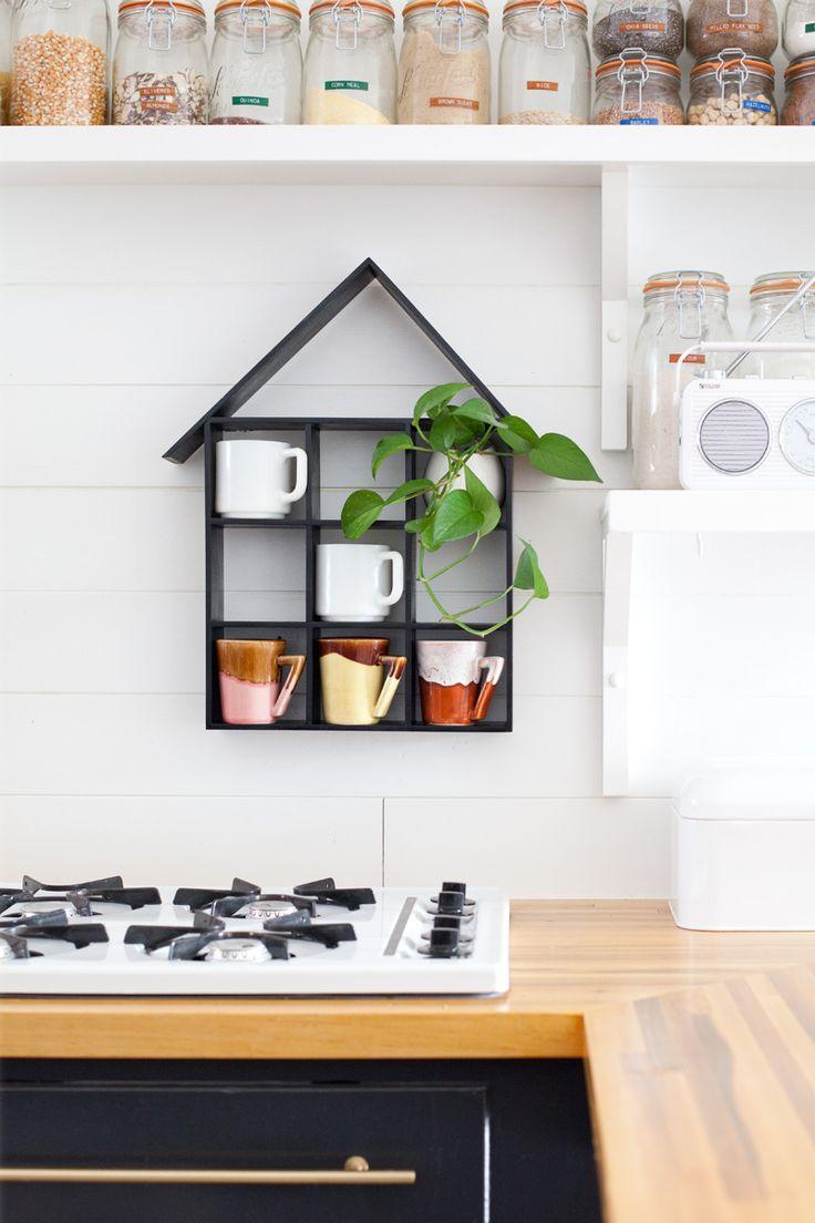 DIY: house-shaped shelf
