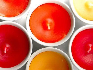 Comment fabriquer une bougie parfumée ? (produits, techniques)