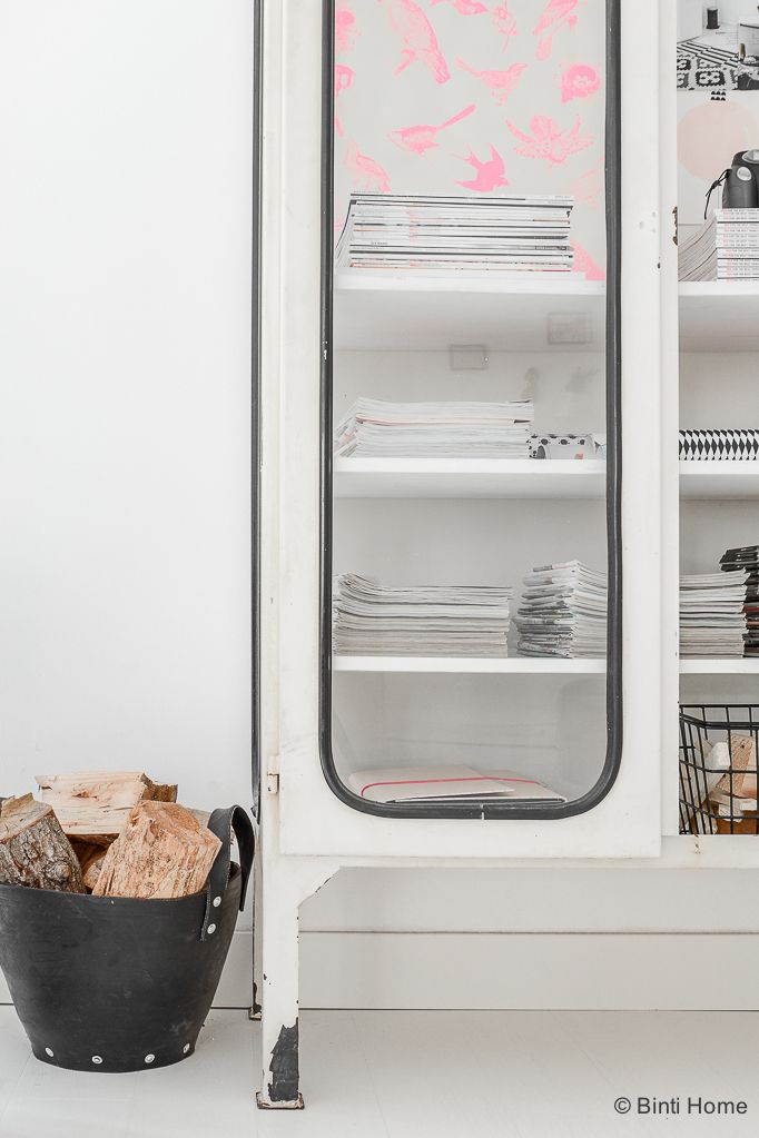Stylingtip for an industrial cupboard in your home   Binti Home blog : Interieurinspiratie, woonideeën en stylingtips