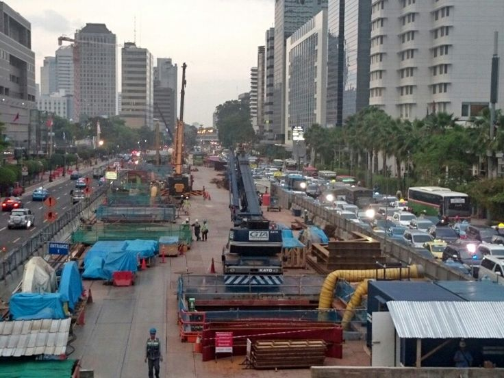 Jakarta. The Traffic. The development. The buildings