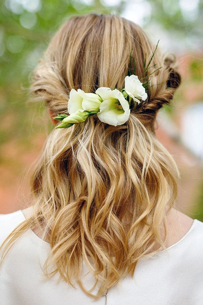 Lovely Hochzeit Haar Zubehor Ideen Und Tipps Siehe Mehr Www Weddingforwar Haare Hochzeit Blumenkrone Frisur Frisur Hochzeit