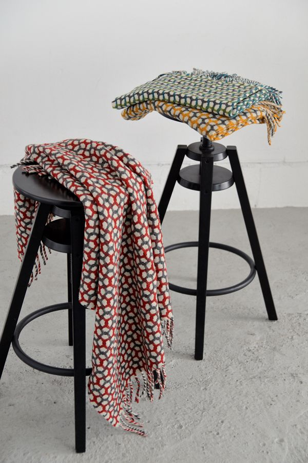 &COMPLE・アンコンプレ Throe  Blanket Gtherring http://www.ancomple.com/?pid=107880717
