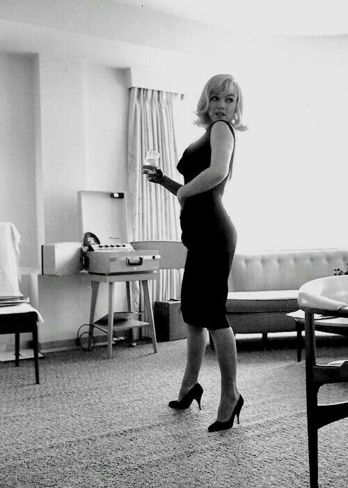Citaten Marilyn Monroe Meninggal : Beste afbeeldingen van marilyn monroe