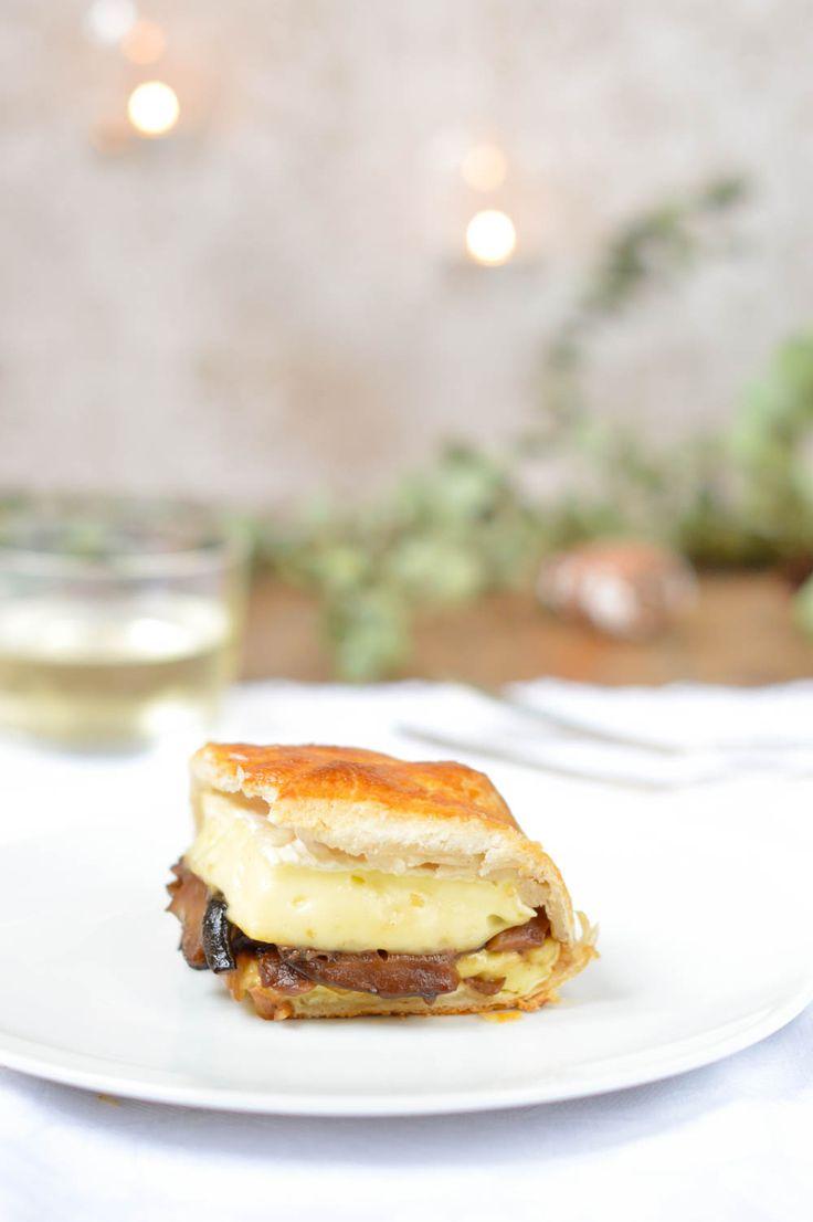 Queso camembert hojaldrado al horno. Rellénalo con setas al vino dulce y triunfarás.