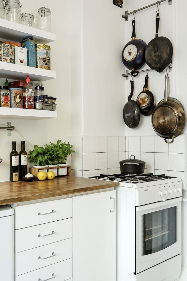 Like this simple way to make a ordinary kitchen more personal and aesthetic