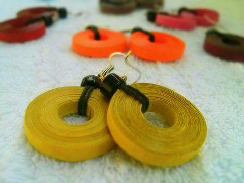 Carrom paper earrings https://www.facebook.com/happisage
