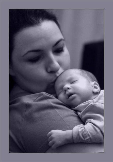 Ağlatmadan Uyku Eğitimi – Ne zaman uyanmadan tüm gece uyuyacak? | Hassas Anne