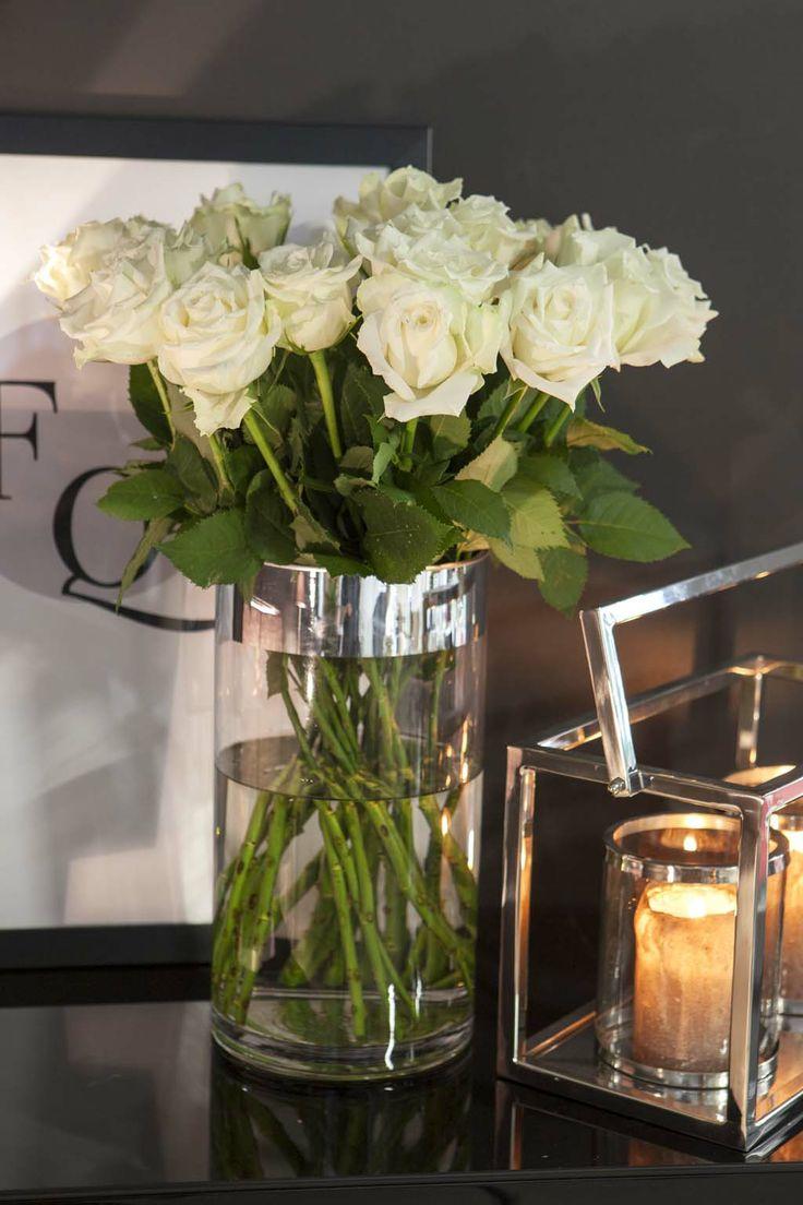 Hvite roser passer fint i en moderne interiørstil: http://www.mestergronn.no/blogg/tre-interiorstiler-hos-mester-gronn/