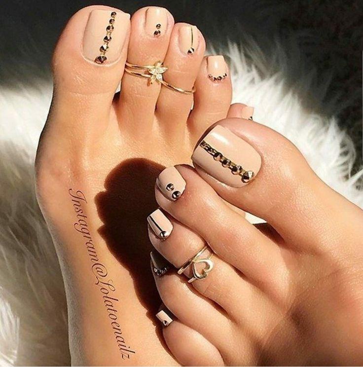 unique acrylic toe nails ideas