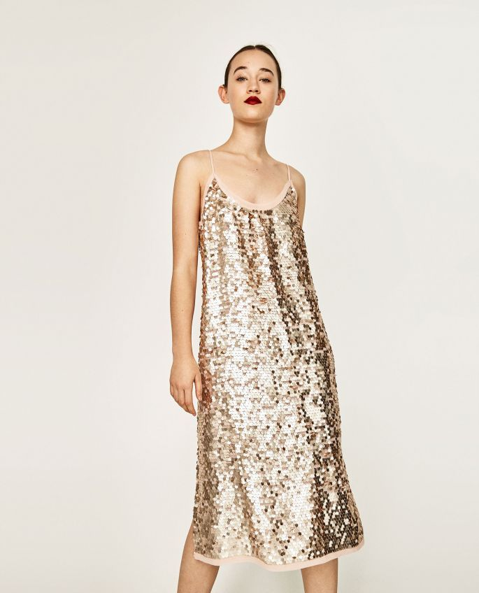 Vestido de lentejuelas, Zara.