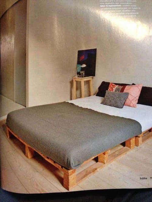 les 25 meilleures id es de la cat gorie sommier en palette sur pinterest sommier palette lit. Black Bedroom Furniture Sets. Home Design Ideas