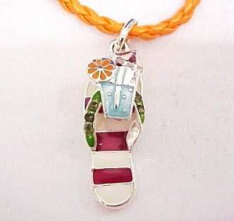 I should make this for my mom:): Islands Style, Beaches Jewelry, Fun Stuff, Beautiful, Flip Flops, Charms Bracelets, Summer Fun, Accessories, Amazing Jewelry