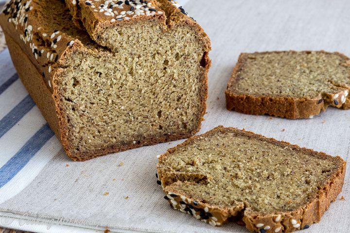 Рецепты качественного безглютенового хлеба, не содержащего также крахмалов любого происхождения, дрожжей, сахара, а также загустителей, найти практически невозможно. Над такими рецептами безглютено…