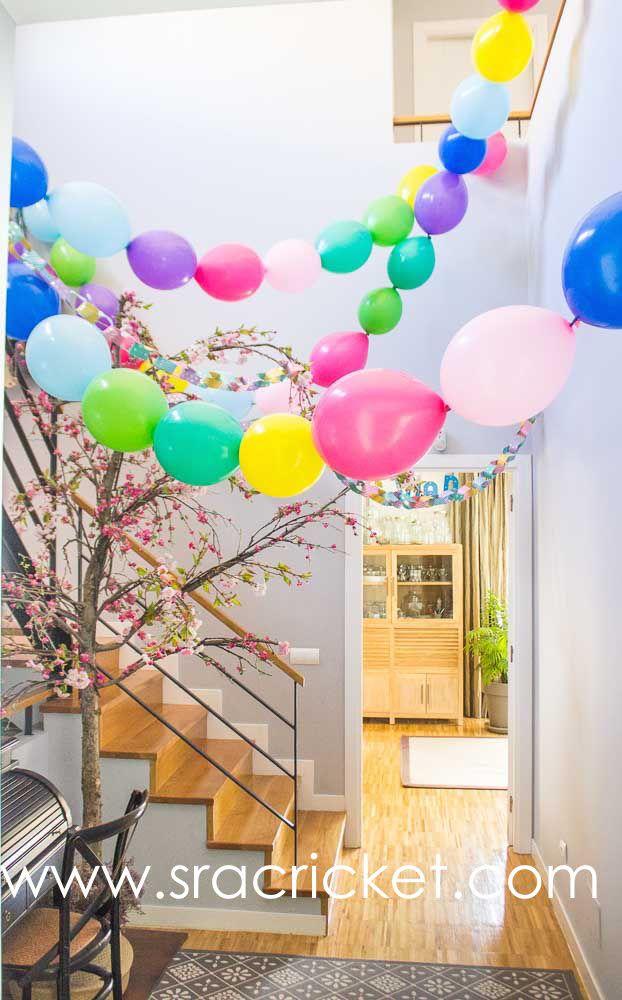 Globos en cadena para hacer guirnaldas de globos para fiestas y eventos. Globos encadenados que se enlazan uno a otro para crear cadenetas. #linkedballoons #globos #cadenas http://www.sracricket.com/producto/globos-en-cadena/