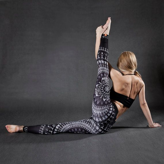 black&white LEGGINGS for Yoga Fitness Running Dancing Climbing Pilates and many more