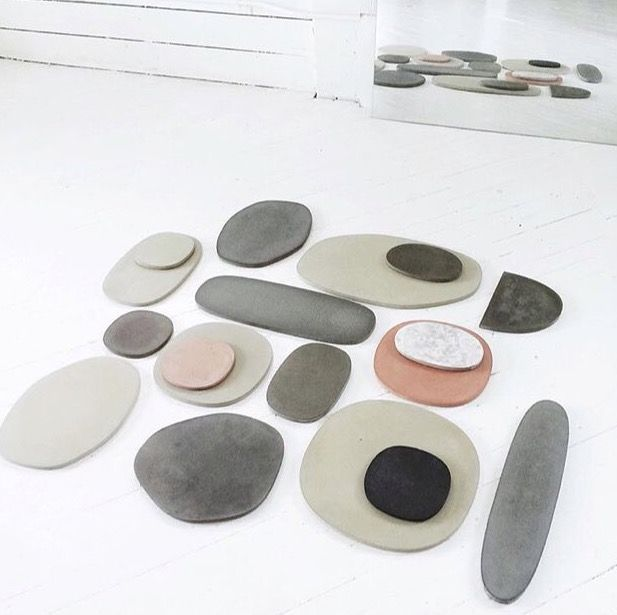 Lovely, minimal MAD concrete platters at Mille Makers Market.  Loving the color way.