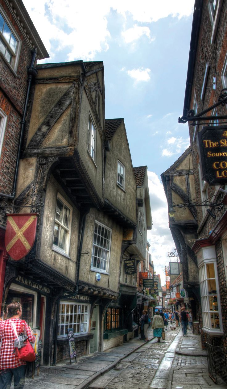 York's medival quarter known as the Shambles is popular among tourists; Photo by Nellie Windmill -  flickr.com/photos/nelliewindmill.