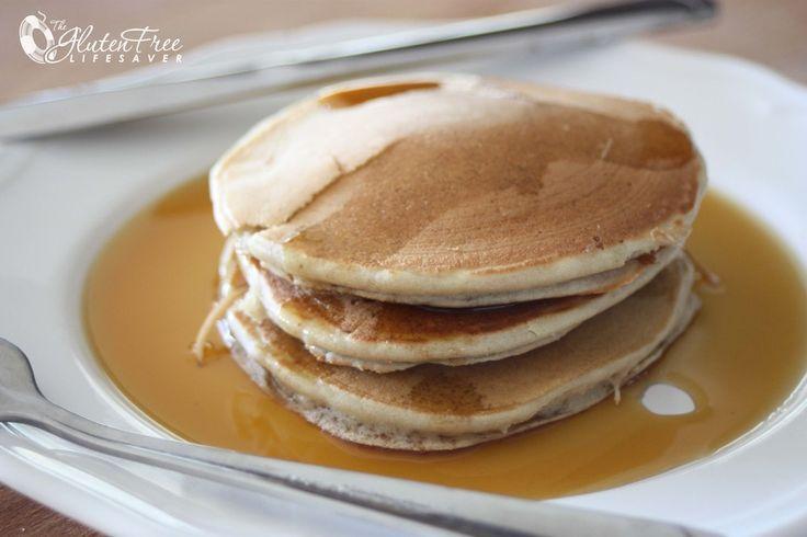 Vær så god - nå skal du få oppskriften på verdens beste og enkleste frokost! Disse små deilige pannekakene piskes sammen på bare noen minutter, og består av kun tre ingredienser. De er supersaftige og naturlig søte, og ikke minst uslåelig sunne!