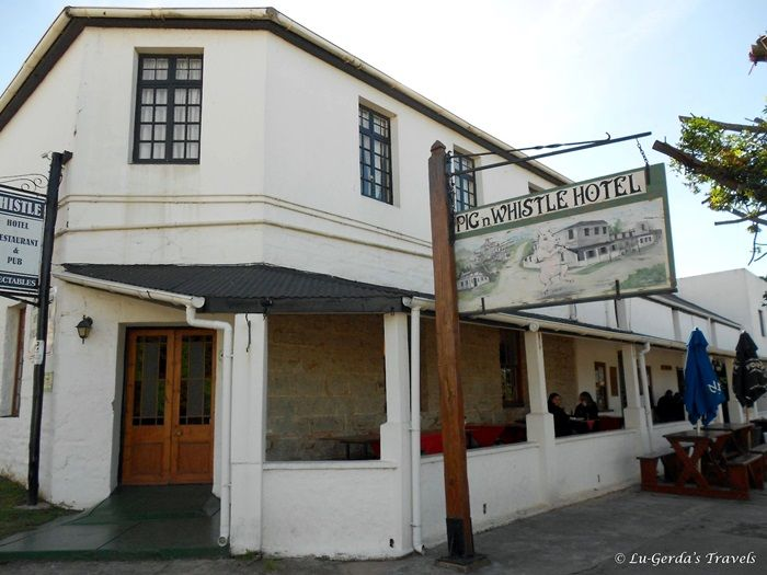 Pig and Whistle, Bathurst The oldest licensed bar in South Africa . Foto: www.lugerda.blogspot.com
