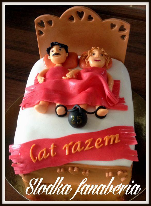 Tort rocznicowy z łożem i kulą u nogi