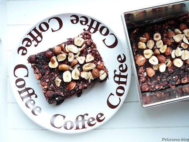 Delicious blog: Pečená čokoládovo-řepová ovesná kaše s lískovými ořechy