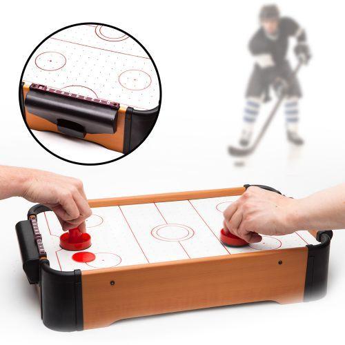 Liefert euch mit dieser coolen Geschenkidee spannende Matches bei einem der reaktionsschnellsten Spiele der Welt! Mit dem Mini Air Hockey Tisch für zu Hause habt Ihr ein füllendes Abendprogramm...